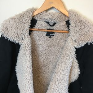 Wilfred Jackets & Coats - Aritzia Wilfred Free Rayder Sherpa Lined Jacket